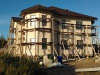Монтаж мокрого фасада в загородном доме