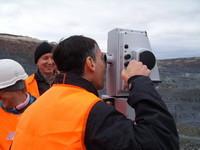 Какой выбрать теодолит для геодезических работ: лазерный или оптический?