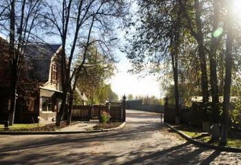 Земельный участок 8.5 соток, 15 км от МКАД по Калужскому шоссе, п. Ватутинки