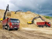 Купить карьерный песок для работ на дачном участке