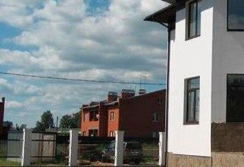 Земельный участок 12.5 соток, со строением, 22 км от МКАД по Дмитровскому шоссе, д. Марфино