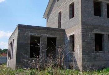 Земельный участок 13.3 соток, со строением, 12 км от МКАД по Дмитровскому шоссе, д. Новосельцево