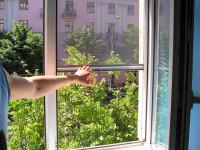 Москитные сетки на пластиковые окна коттеджа на земельном участке по Дмитровскому шоссе